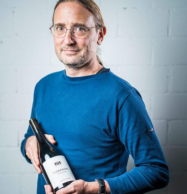 Thomas Gromann von Gromann & Söhne mit seinem besten Lagewein: Pinot Noir Vogelsang