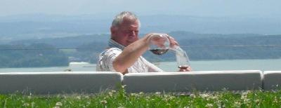 Rene Gabriel degustiert den Chardonay Reserve (Clos au Compte) 2007 und den Chasselas (Clos a l'Abbé) 1995 vom Weingut Steiner